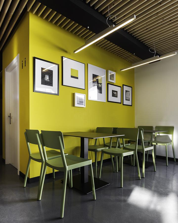 Sandwiches-A-Seca-by-NAN-Architects-Poio-Spain-06-