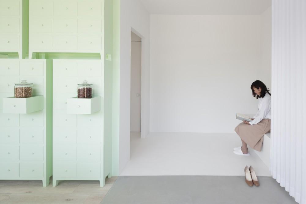 546ec712e58ece3d87000171_sumiyoshido-kampo-lounge-_-id-inc_-id-inc-_id_sumi_for_web_11-1000x666