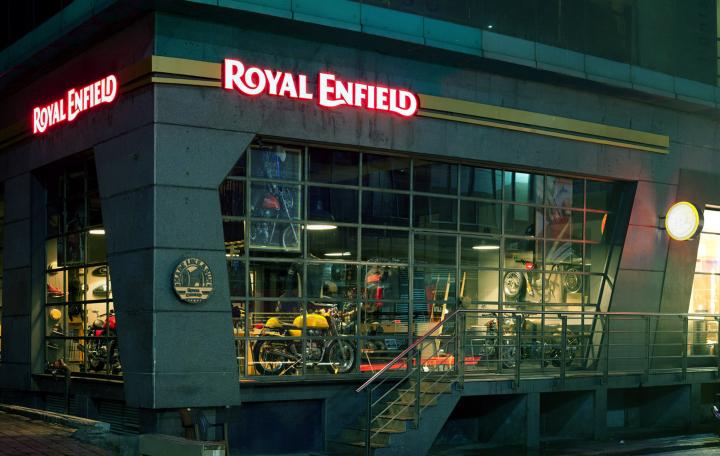 Royal-Enfield-store-by-Lotus-New-Delhi-India-05