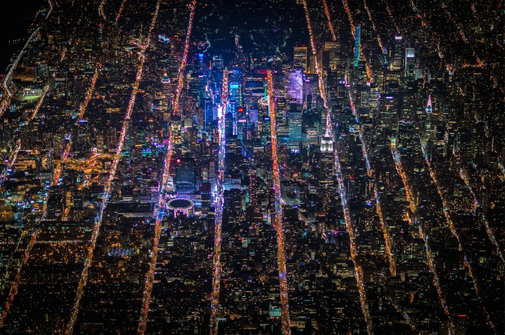 54b6d2c4e58ecee5db000002_vincent-laforet-s-images-of-new-york-from-above-will-take-your-breath-away_screen_shot_2015-01-13_at_1-20-45_pm-1000x665