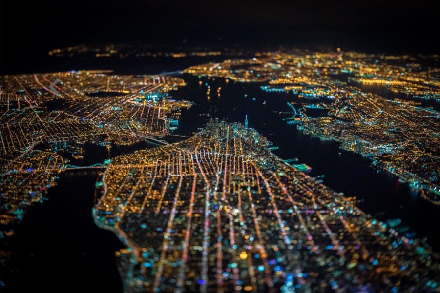 54b6d2e5e58ecea3b4000008_vincent-laforet-s-images-of-new-york-from-above-will-take-your-breath-away_screen_shot_2015-01-12_at_2-32-59_pm