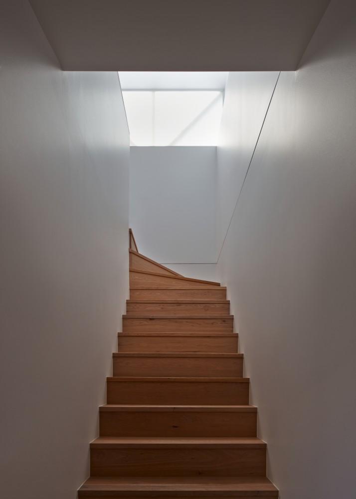 54b8165ce58ece61b90000c7_middle-park-studio-jean-paul-rollo-architects_middle_park_studio_005-714x1000