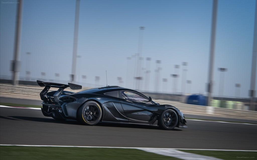 McLaren-P1-GTR-2015-widescreen-09