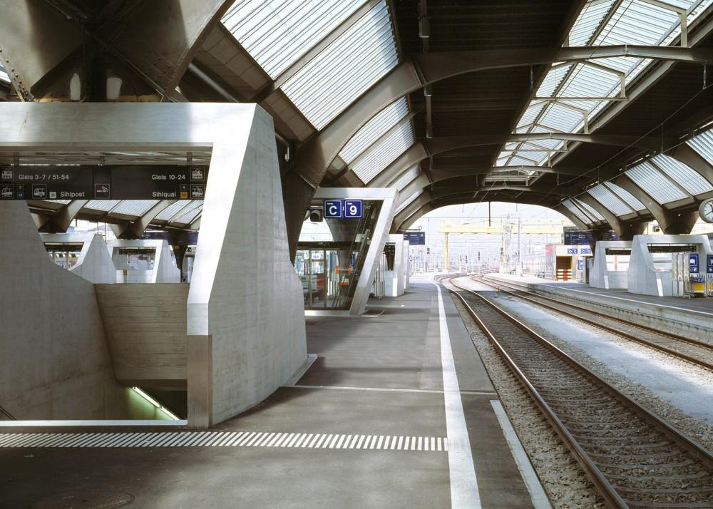 54d938a7e58ece14700001d1_z-rich-main-station-du-rig-ag_copyright_ruedi-walti_bhf-zh-0_6-1000x714