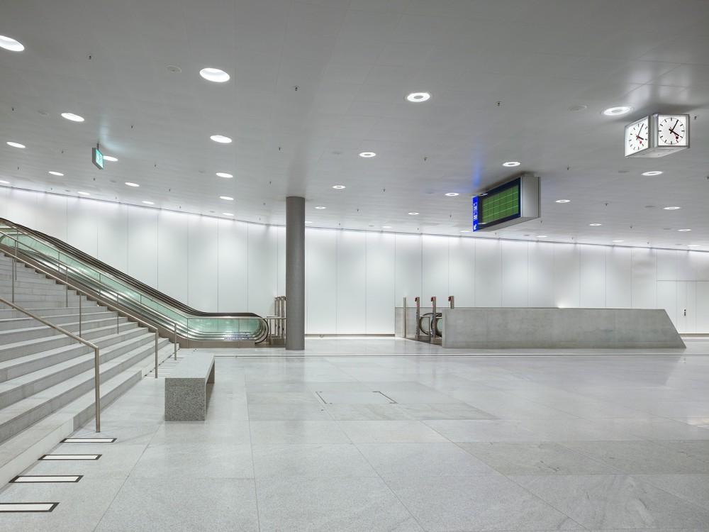 54d9391be58ece19120001e7_z-rich-main-station-du-rig-ag_copyright_ruedi-walti_bhf-zh-1_7-1000x750