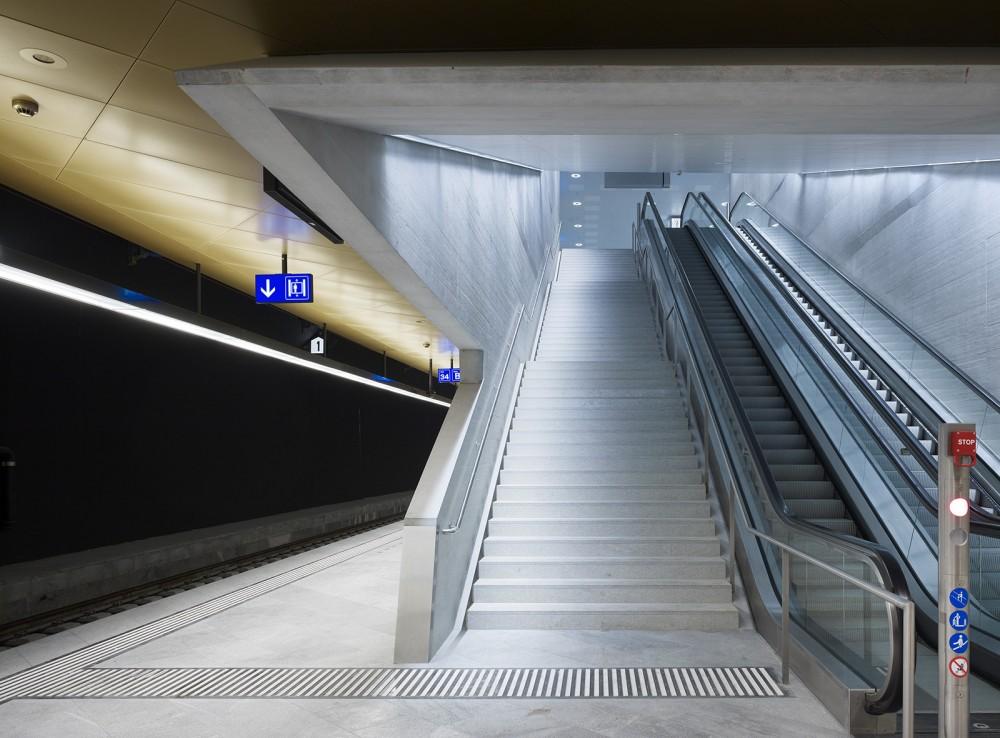 54d9397ae58ece14f70001d6_z-rich-main-station-du-rig-ag_copyright_ruedi-walti_bhf-zh-2_6-1000x738