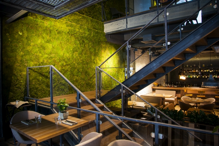 Hunt-a-Lobster-Restaurant-by-Seventh-Studio-Moscow-Russia-02