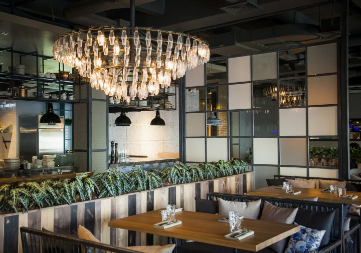 Hunt-a-Lobster-Restaurant-by-Seventh-Studio-Moscow-Russia-07