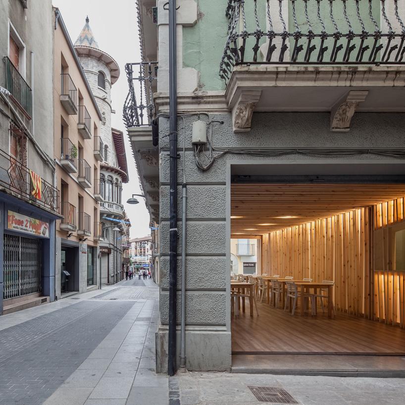 arnau-estudi-d'arquitectura-terrassa-de-la-brasera-dolot-spain-designboom-09