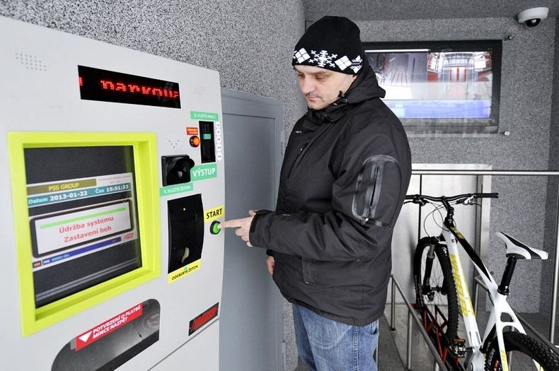 czech-cycle-parking-1[2]