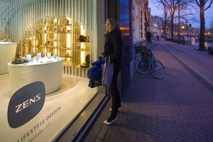 Zens-showroom-by-SchilderScholte-architects-Amsterdam-Netherlands-08