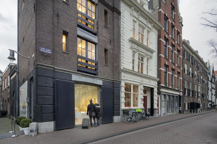 Zens-showroom-by-SchilderScholte-architects-Amsterdam-Netherlands-10