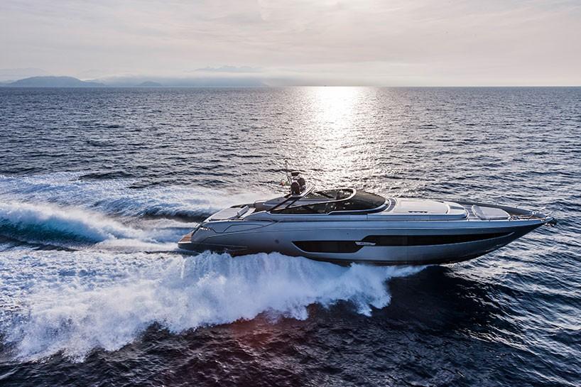 #Luxusyacht von #Riva88