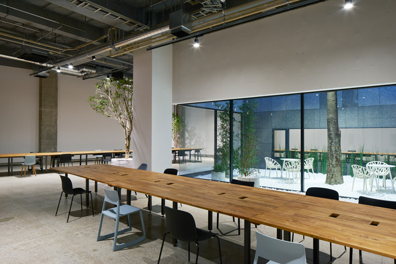 tarafu-architects-akqa-office-designboom-10