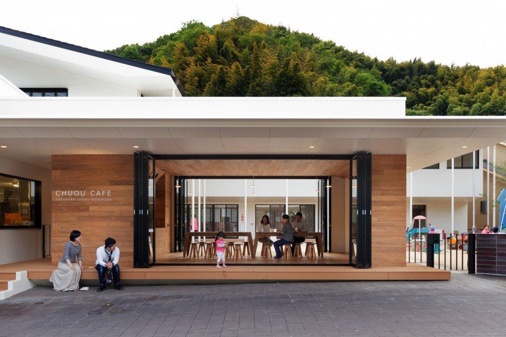 5563f26ee58eced22f00005d_c-o-kindergarten-and-nursery-hibinosekkei-youji-no-shiro_khb292_d_41414-2-1000x666