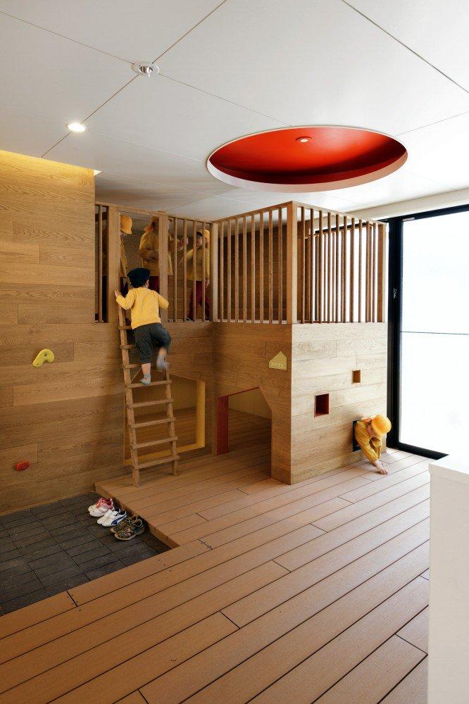 5563f2cce58eceeb8d000069_c-o-kindergarten-and-nursery-hibinosekkei-youji-no-shiro_khb292_d_61303-1-666x1000