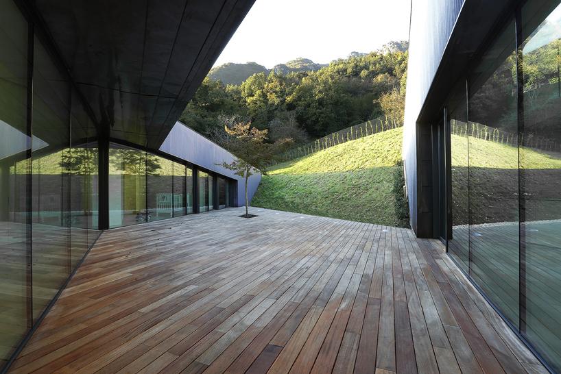 alps-house-carmillo-botticini-architetto-designboom-07