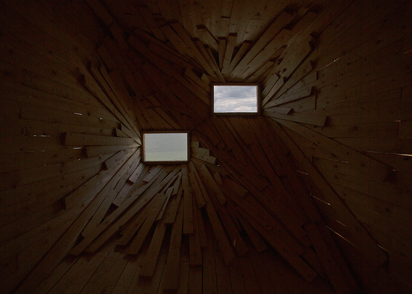 atelier-37.2-new-horizon-sculpture-by-the-sea-denmark-designboom-03