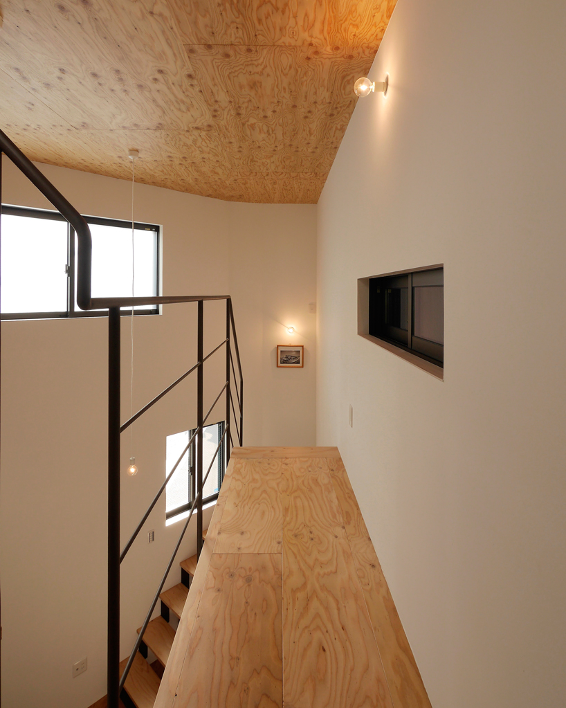 house-in-chiyosaki-coo-planning-japan-designboom-05