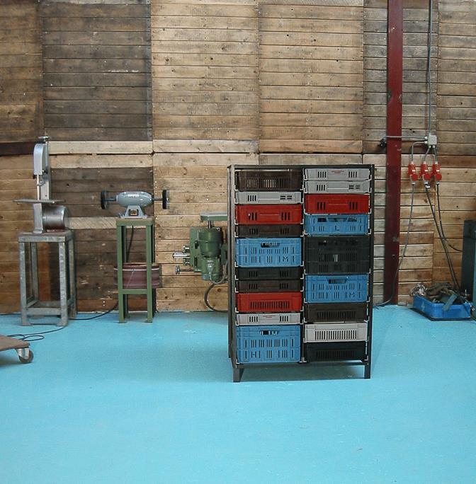 2-column-crates-cabinet-Mark-van-den-Gronden-Lensvelt-Made-in-the-Workshop