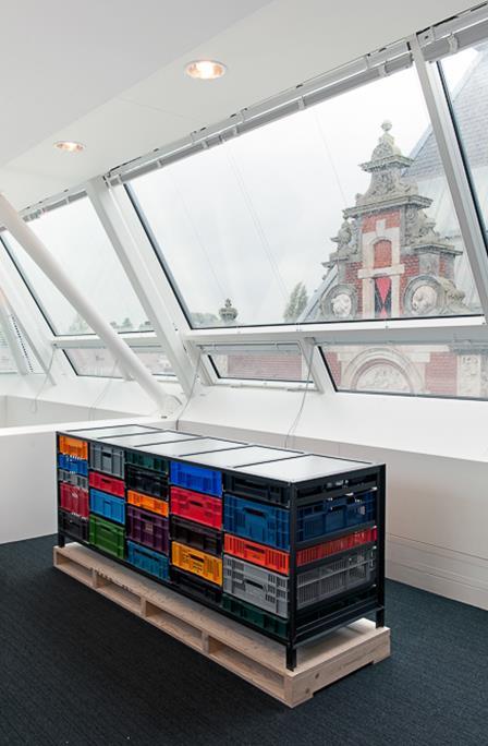 5-column-crates-cabinet-Mark-van-den-Gronden-Lensvelt-Stedelijk-Museum-Amsterdam-2