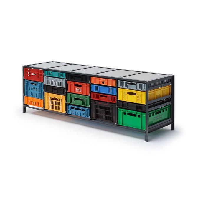 5-column-crates-cabinet-Mark-van-den-Gronden-Lensvelt-view-diagonally-in-front