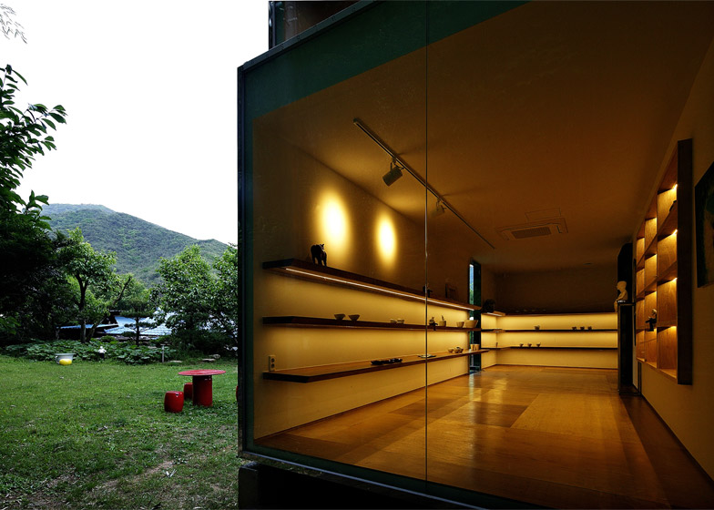Jung-Gil-Young-gallery-by-Yoon-Space-Design_dezeen_784_20