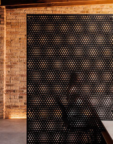 Office-renovation-in-Chicago-by-Vladimir-Radutny_dezeen_468_9