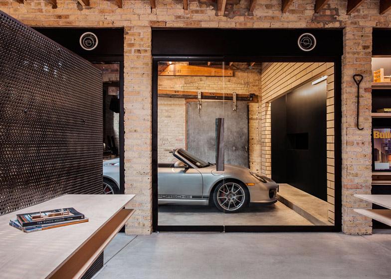 Office-renovation-in-Chicago-by-Vladimir-Radutny_dezeen_784_8