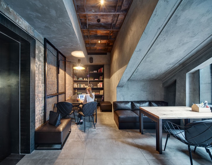 Dogs-Tails-Bar-and-Cafe-by-Sergey-Makhno-Architects-Kiev-Ukraine-05