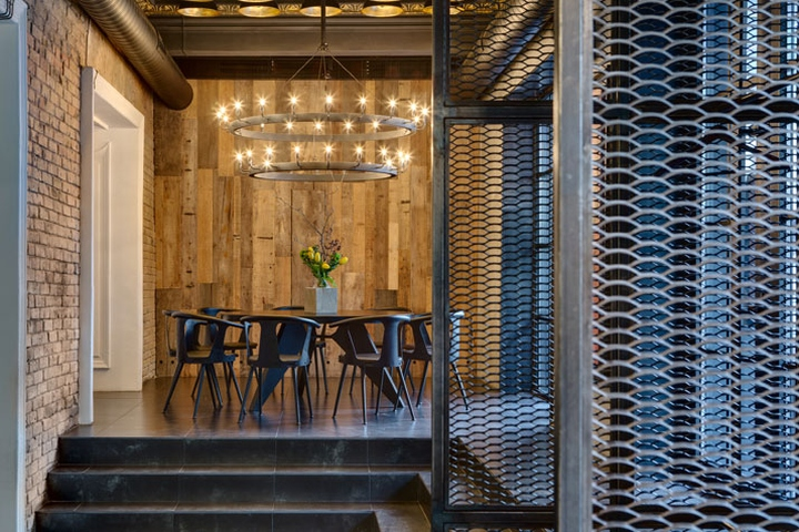 Dogs-Tails-Bar-and-Cafe-by-Sergey-Makhno-Architects-Kiev-Ukraine-12
