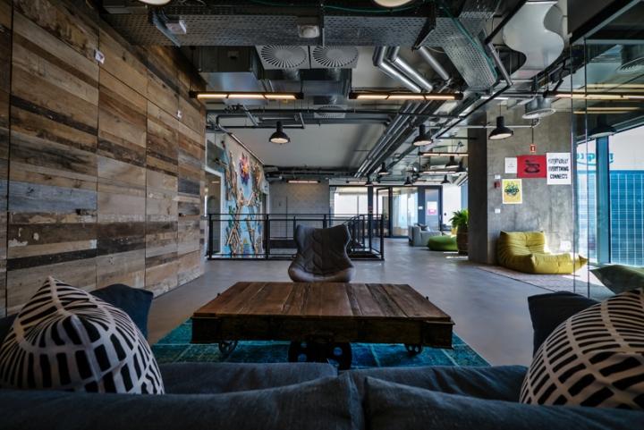 Facebook-office-custom-lighting-by-Studio-Beam-Tel-Aviv-Israel-02