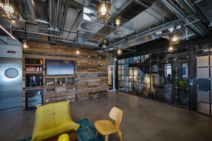 Facebook-office-custom-lighting-by-Studio-Beam-Tel-Aviv-Israel-03