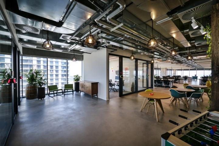 Facebook-office-custom-lighting-by-Studio-Beam-Tel-Aviv-Israel-06