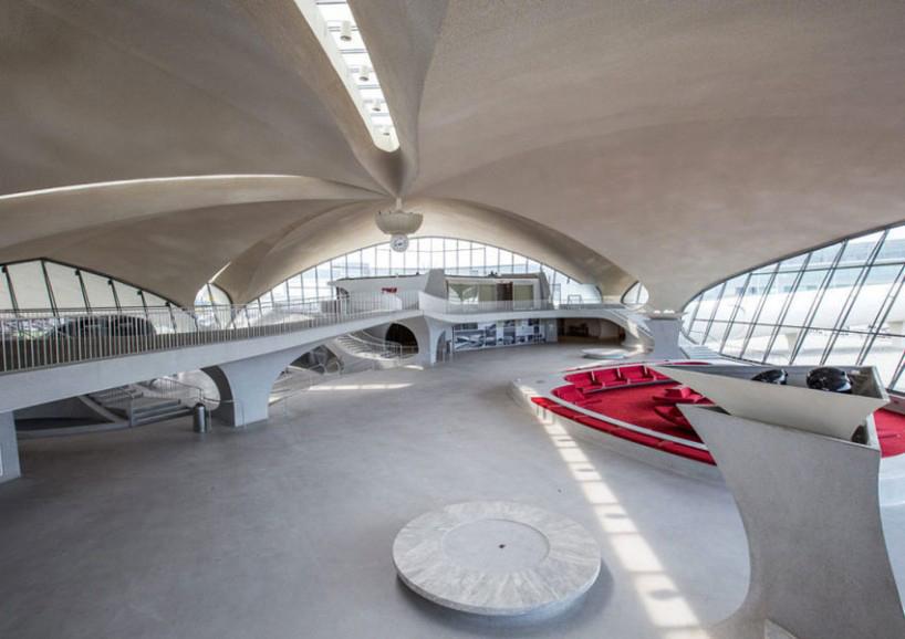 max-touhey-photographs-JFK-TWA-terminal-prior-to-renovation-designboom-06