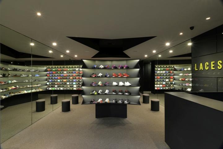 LACES-Shoe-Store-by-CoA-Arquitectura-Zapopan-Mexico-02