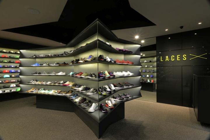 LACES-Shoe-Store-by-CoA-Arquitectura-Zapopan-Mexico-04