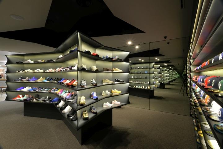LACES-Shoe-Store-by-CoA-Arquitectura-Zapopan-Mexico-05