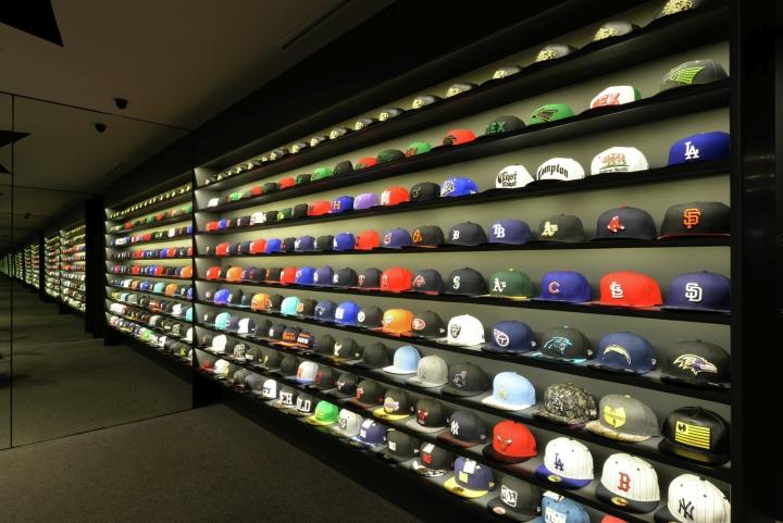 LACES-Shoe-Store-by-CoA-Arquitectura-Zapopan-Mexico-06