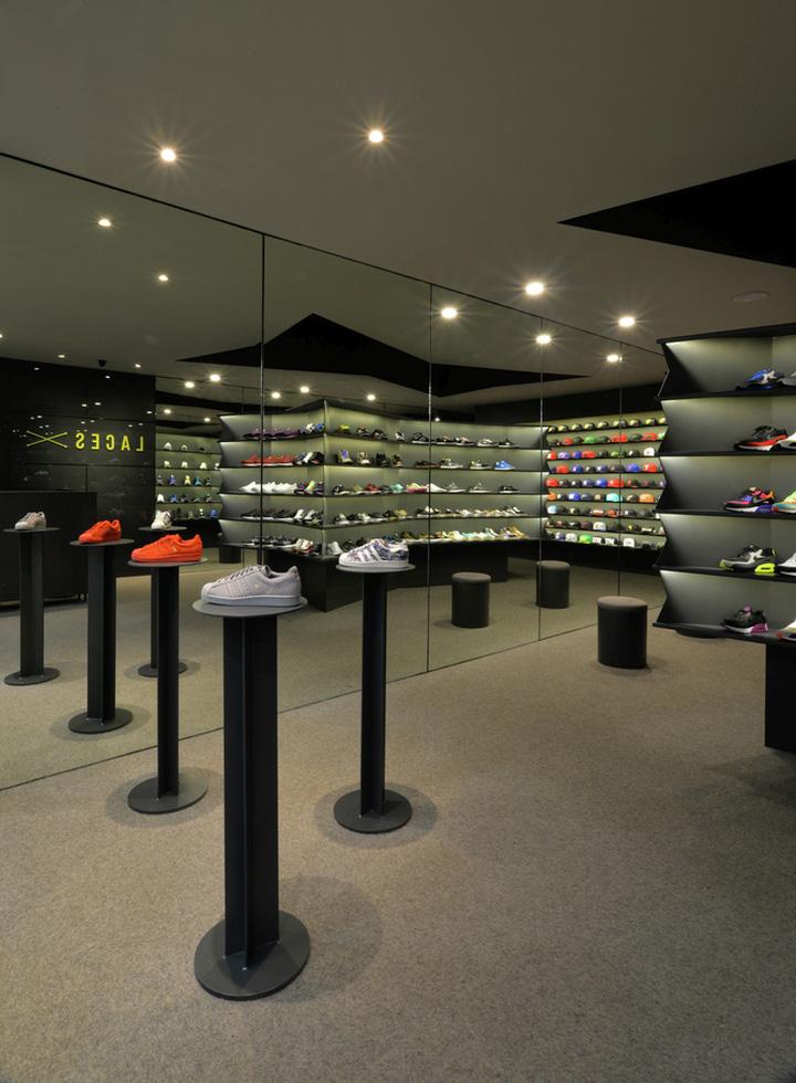 LACES-Shoe-Store-by-CoA-Arquitectura-Zapopan-Mexico-08