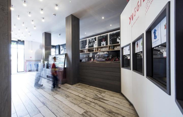Yoggieberrie-Cafe-by-Terry-Design-Belfast-Northern-Ireland-02