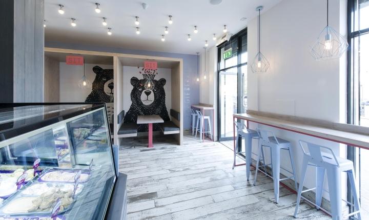 Yoggieberrie-Cafe-by-Terry-Design-Belfast-Northern-Ireland-04