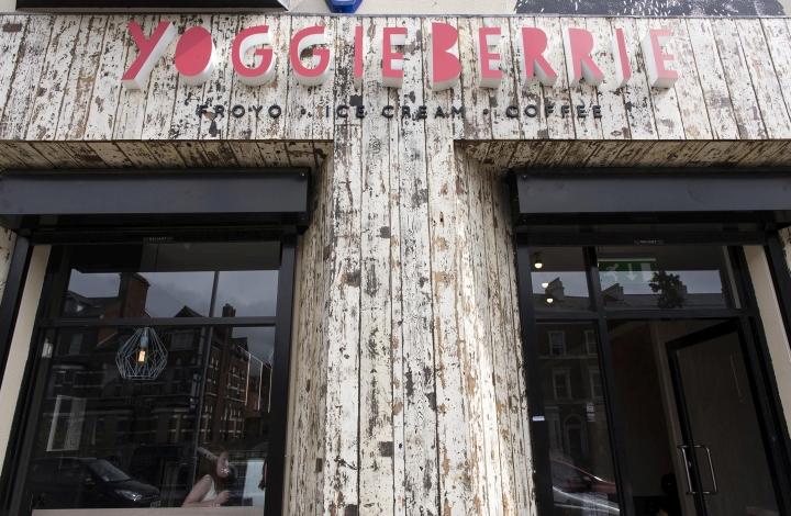 Yoggieberrie-Cafe-by-Terry-Design-Belfast-Northern-Ireland-11