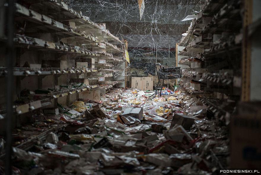 photos-fukushima-exclusion-zone-podniesinski-50