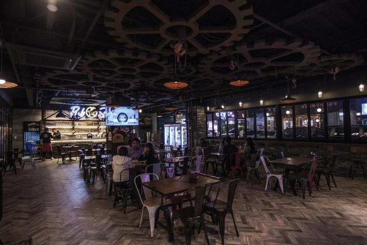 Pub-Star-by-SSOMOO-DESIGN-Seoul-South-Korea-05