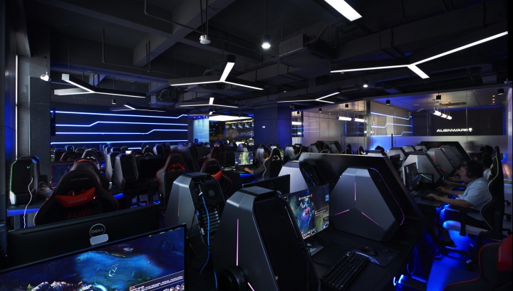 Alienware-G4-Internet-cafe-by-Gramco-Ningbo-China-05