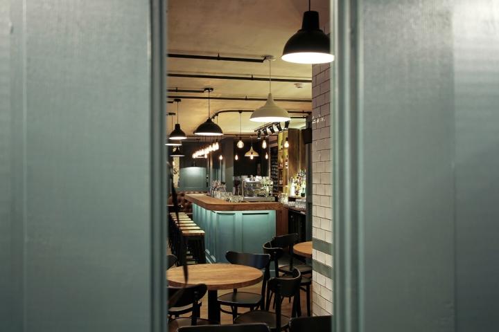 Seven-restaurant-pub-by-Ramunas-Manikas-Klaipeda-Lithuania-12