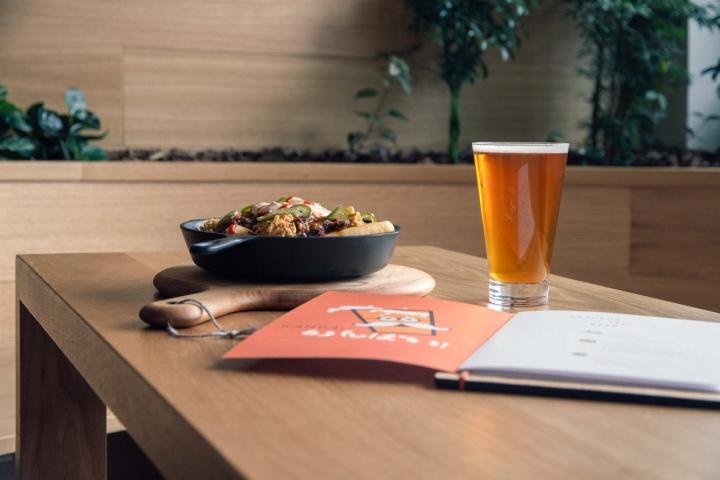 Kimoto-Rooftop-Beer-Garden-by-Isometric-Studio-New-York-11