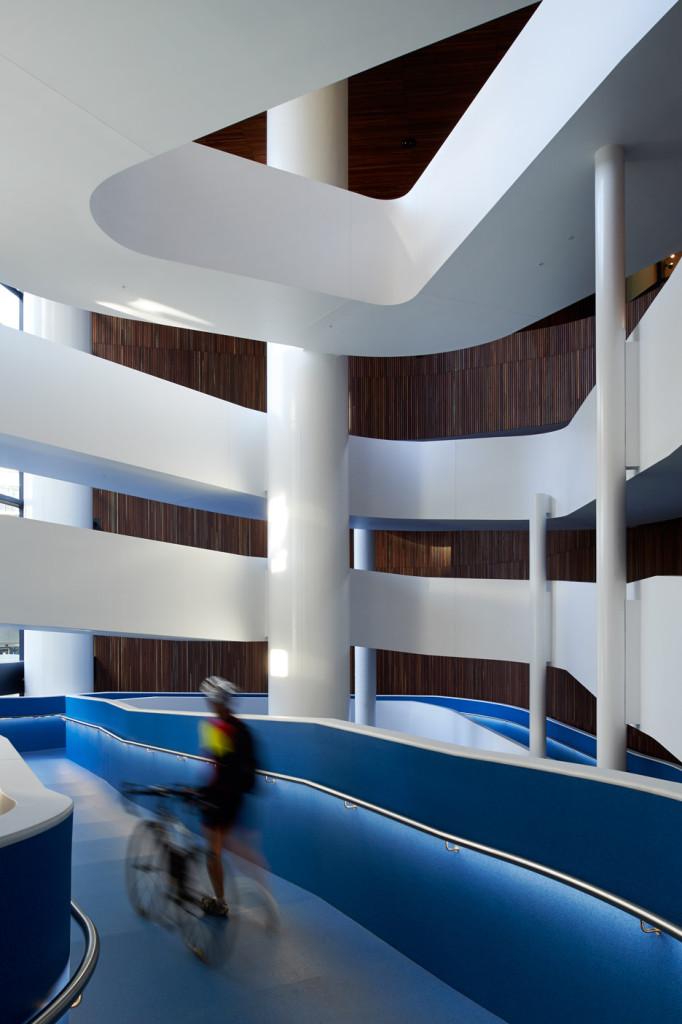 Medibank-Workplace-by-Hassell_dezeen_08