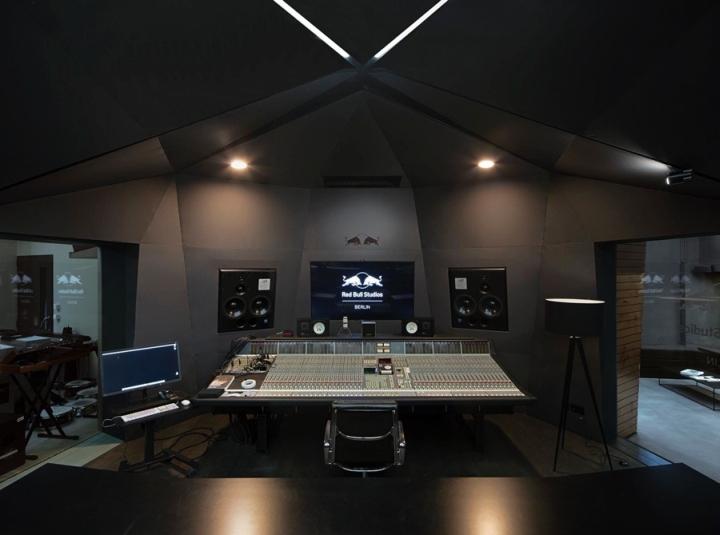 Red-Bull-Studios-by-Optimist-Design-Berlin-Germany-02